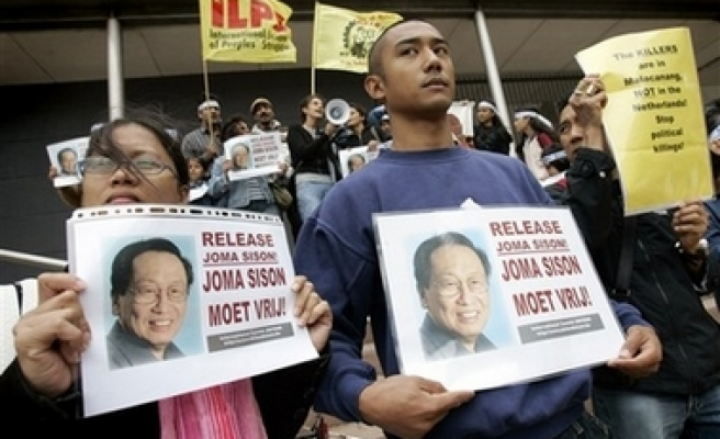 Dutch court frees Philippines opposition leader from custody
