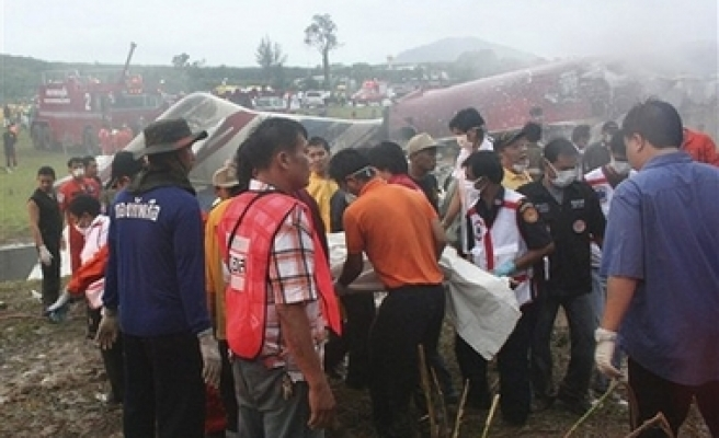 Jet crashes in Thailand, 100 feared dead / PHOTO