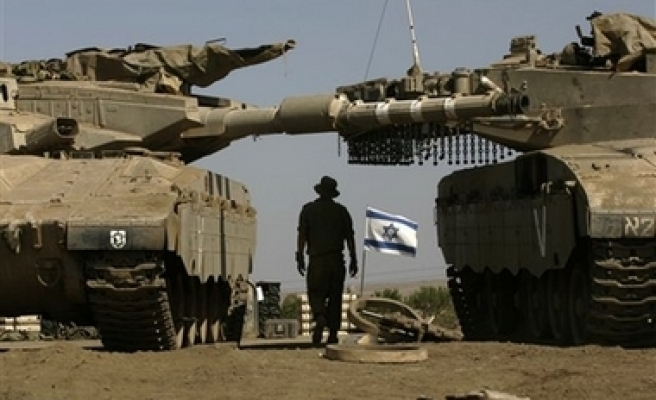 Israelis execute incursion into Rafah, fire missile at mosque