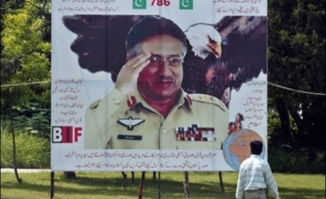 Musharraf to shed uniform if re-elected President