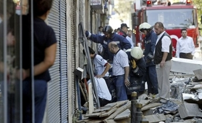 One dead, 4 injured in blast in Istanbul / PHOTO