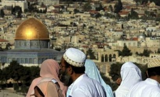 Al-Aqsa faces collapse risk as Israel excavates its bases