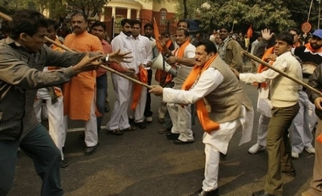 India arrests 140 for religious clashes in Gujarat -UPDATED