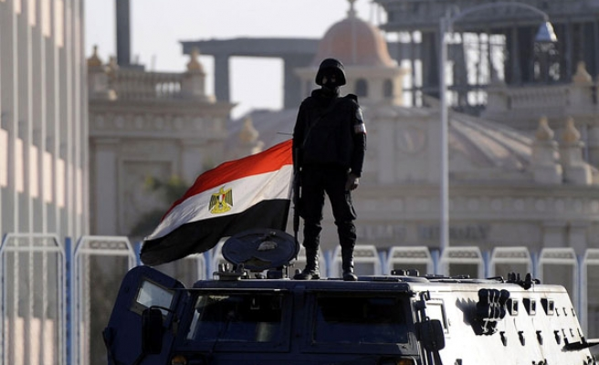 Egypt army control 45% of economy, says report