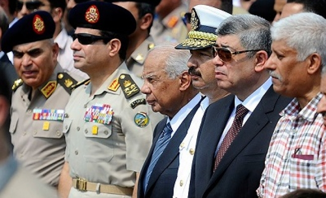 Egyptian coup bloc may crack over Sisi's presidential bid