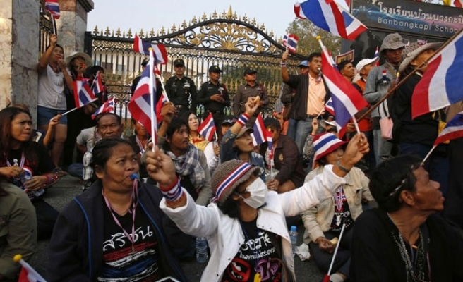 Thailand goes to polls under heavy security