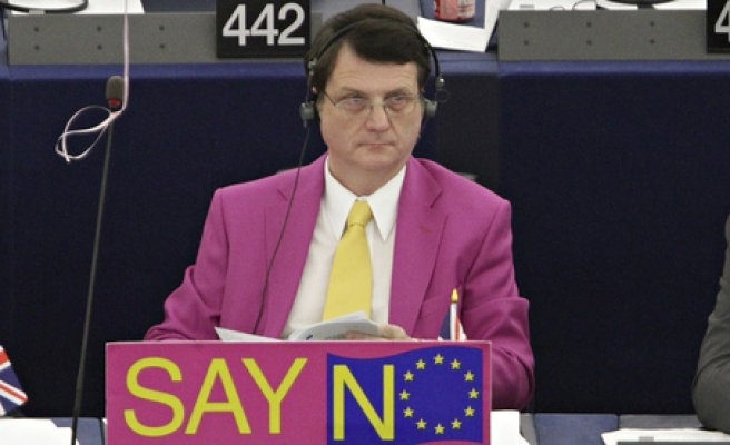 British MEP calls on Muslims to sign a code of conduct charter