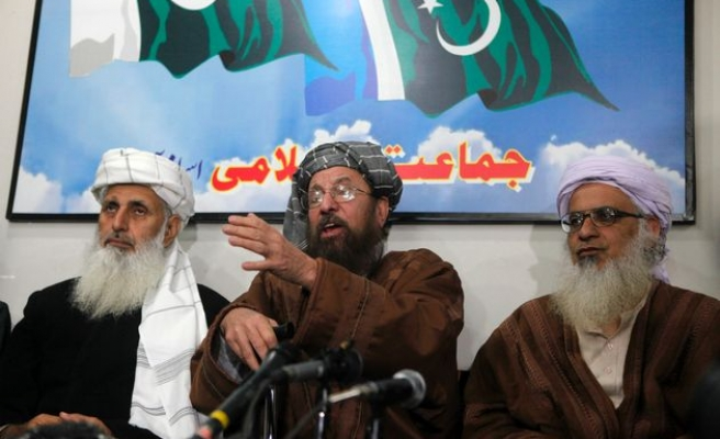 Taliban truce with Pakistan gov't holds