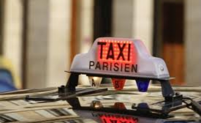 French taxi drivers jam roads protesting unlicensed cabs