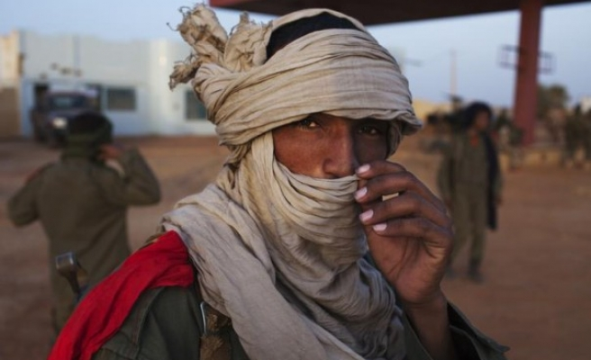 Mali's northern rebels agree to confine their fighters