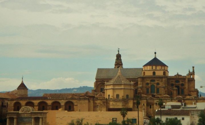 Catholic church trying to privatize Cordoba Mosque