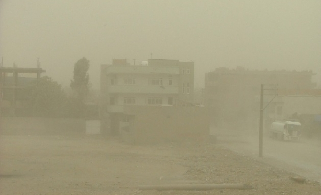 Unusual sand storm hits North Cyprus