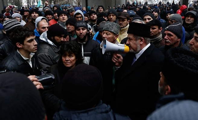 Crimean Tatar homes being marked by Russian gangs