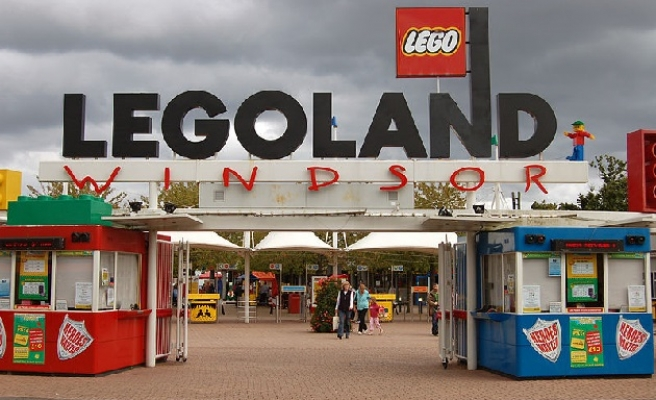 UK theme park forced to shut its doors after far-right threats