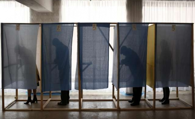 S.African opposition parties call for early elections
