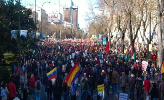 Anti-austerity protest turns violent in Spanish capital
