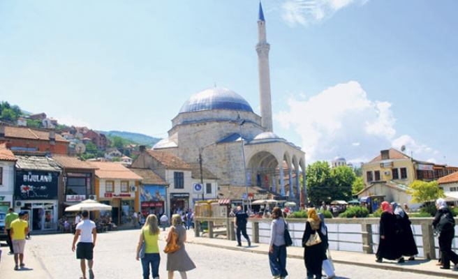 Kosovo's adventure with secularism
