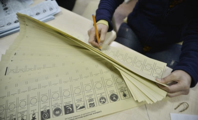 Turkey's election body says results to be trusted