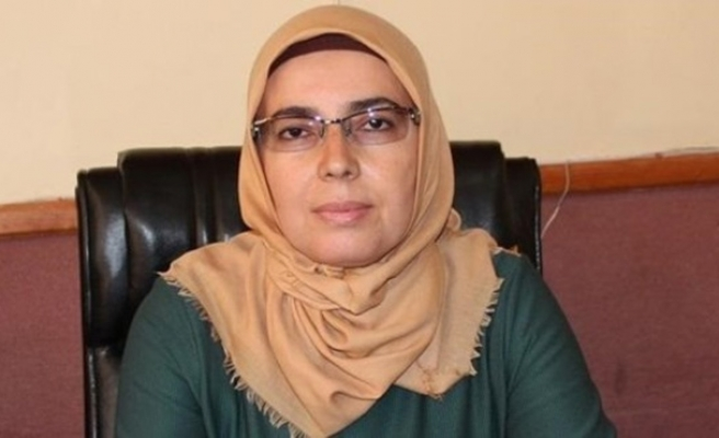 Headscarved mayor on return to Turkish municipality where she was once fired