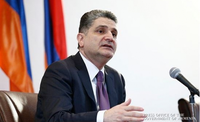 Armenian PM steps down, gov't ministers to follow suit