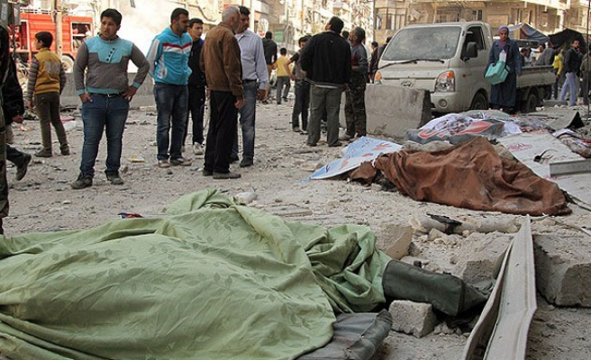 Syria vacuum bombs kill 20 in Aleppo