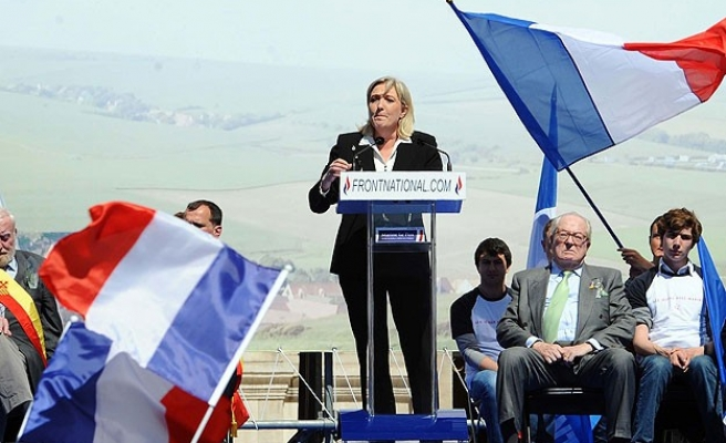 National Front makes gains in French local elections