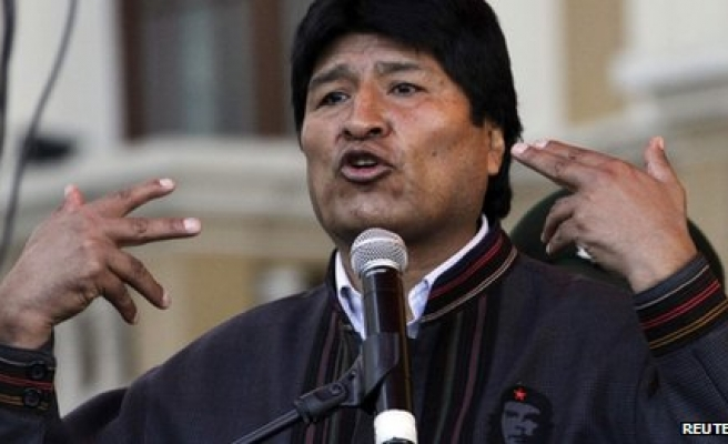 Bolivia files Hague documents in sea access claim against Chile