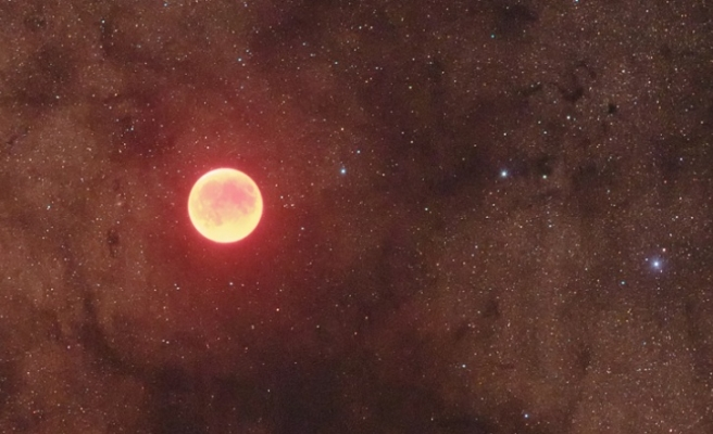 Blood-red moon to rise