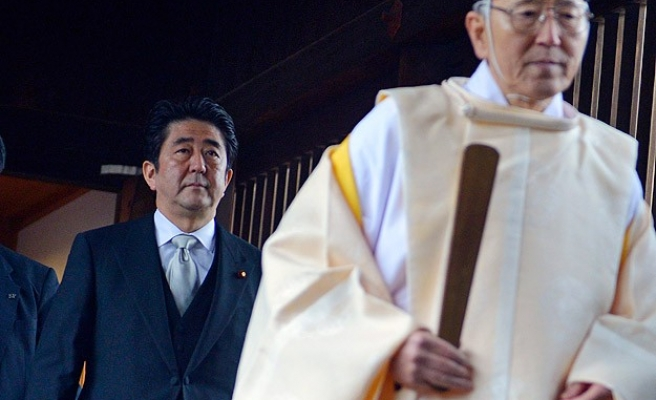 Thousands denounce Japanese PM Abe's security shift