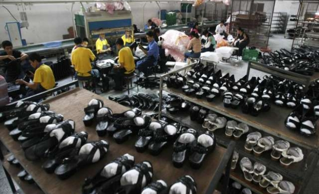 China shoe strike spreads, enters second week