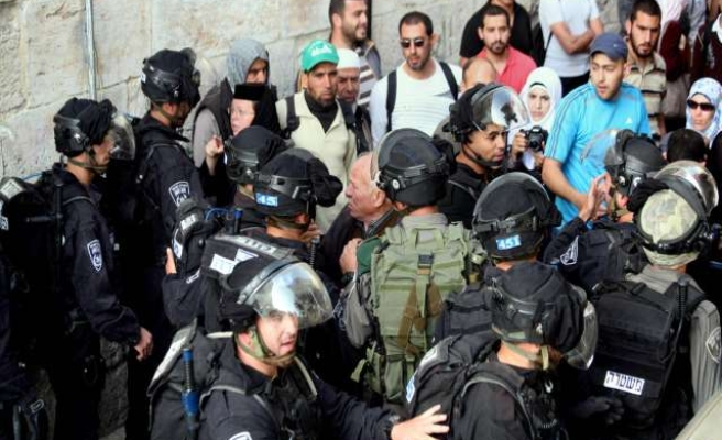 24 Palestinians nabbed in Al-Aqsa clashes- UPDATED