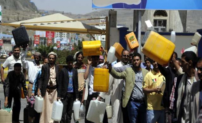 Yemeni capital suffers from lack of fuel and oil