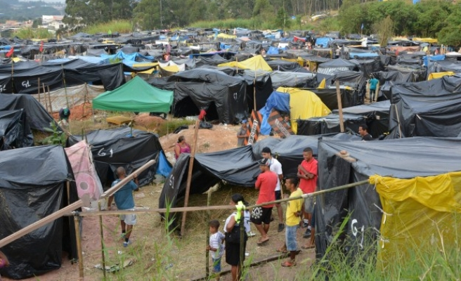 Brazil judge suspends eviction order on homeless camp