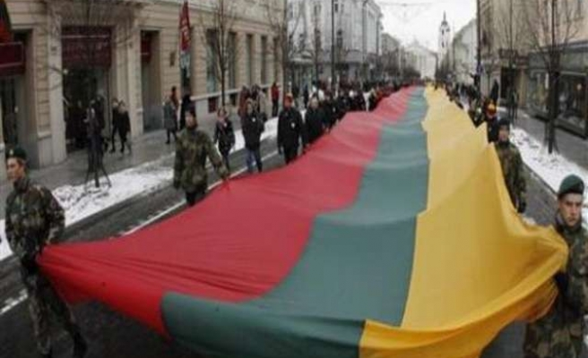 Lithuania distributes 'war manual' to fight Russia