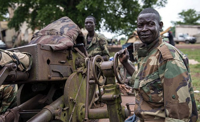 CAR's seleka rebels sign pact with French to avert clashes