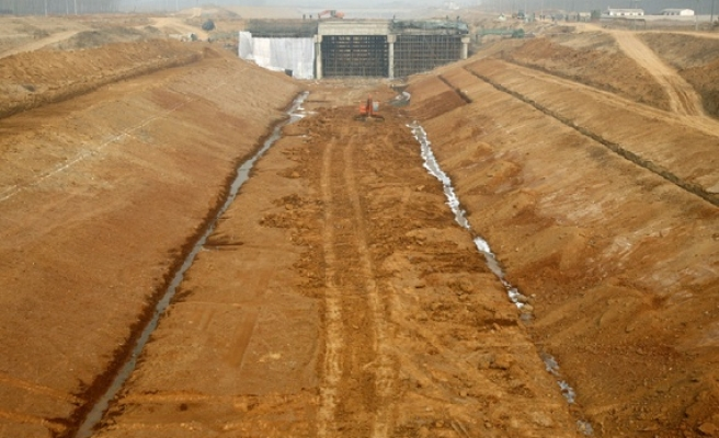 China launches scores of projects to try to end dire water shortages