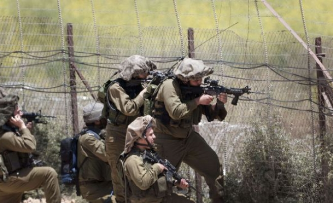 Gazan teenager hurt by Israeli gunfire