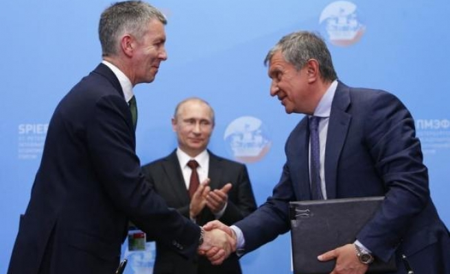 Rosneft, BP agree to explore for shale oil in Russia amid sanctions