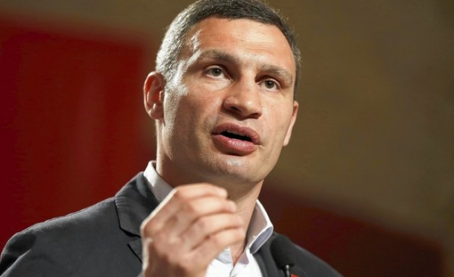 Boxing champ, new mayor of Kiev, says time for protesters to leave