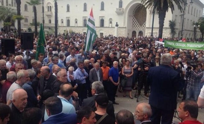 Opposition leaders say they hold power in Abkhazia