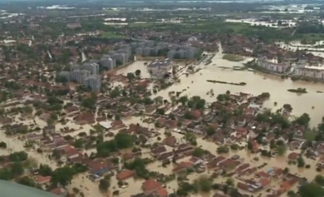 40,000 people unable to return home in flood-hit Bosnia