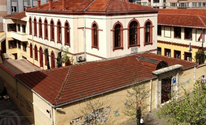 Istanbul Armenians build first school since 1923
