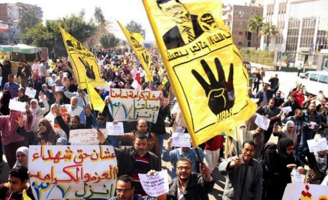 Morsi backers protest price hikes, call for his return