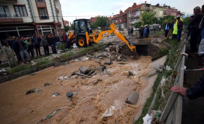 Search intensifies for missing man in Turkey floods