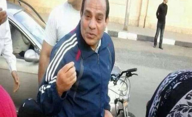 Sisi calls on Egyptians to ride bikes to save fuel