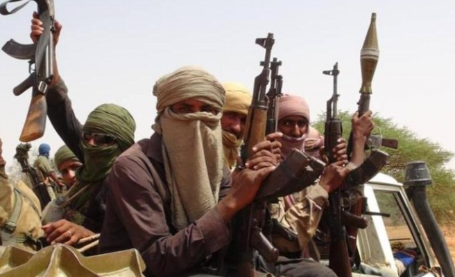 Mali's armed groups accept dialogue plan