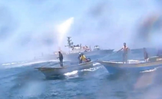 Gaza fisherman injured by Israeli navy gunfire