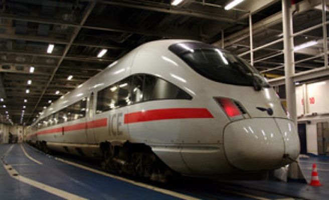 Rail tunnel to cut Europe-Nordic travel time