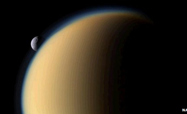 'Magic island' mystery on Saturn moon cracked
