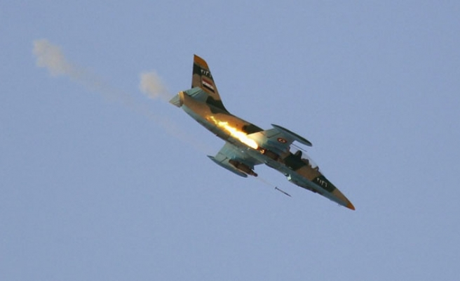 Syrian fighter jets bomb ISIL targets in Iraq